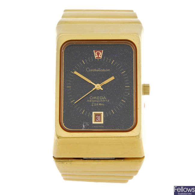 OMEGA - a gentleman's yellow metal Constellation Megaquartz f24MHz  bracelet watch.