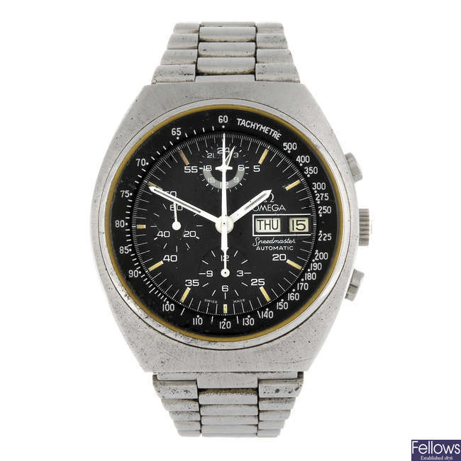 OMEGA - a gentleman's stainless steel Speedmaster chronograph bracelet watch.