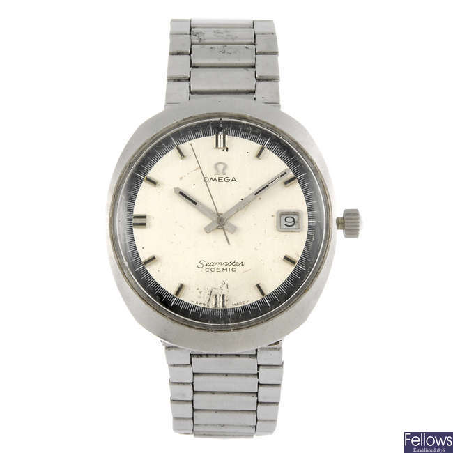 OMEGA - a gentleman's stainless steel Seamaster Cosmic bracelet watch.