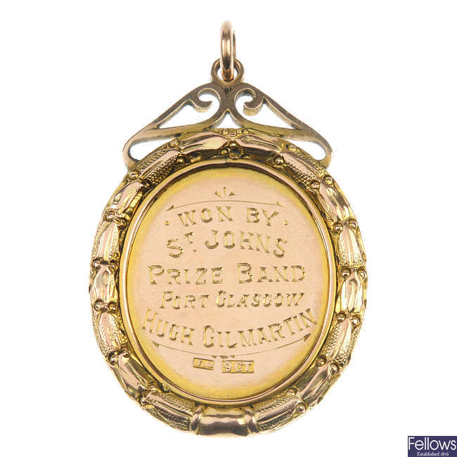 An early 20th century 9ct gold medallion fob.