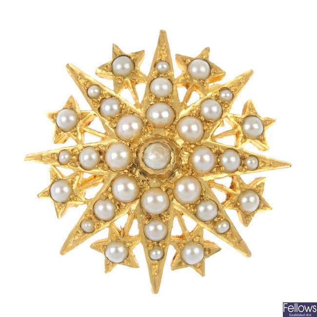 A 9ct gold split pearl star brooch.