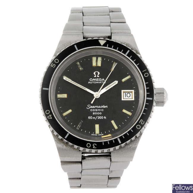 OMEGA - a gentleman's Seamaster Cosmic 2000 bracelet watch.