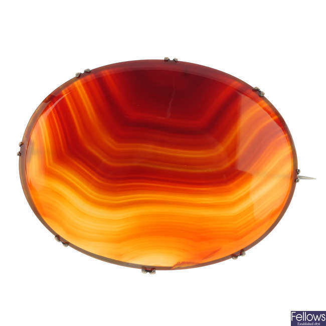A banded agate brooch.