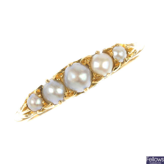 A late Victorian 18ct gold split pearl ring.