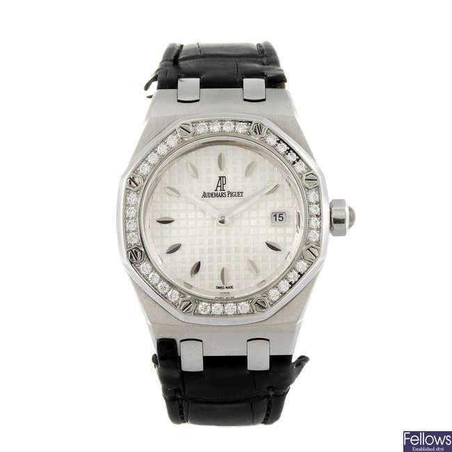 AUDEMARS PIGUET - a lady's stainless steel Royal Oak wrist watch.