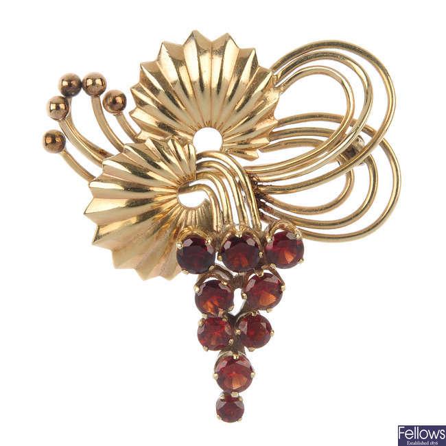 A mid 20th century garnet brooch.