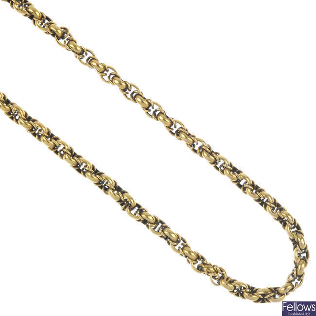An early 20th century 15ct gold fancy-link chain.