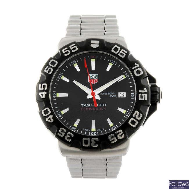 TAG HEUER - a gentleman's Formula One bracelet watch.