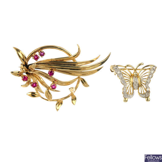 Two gem-set brooches.