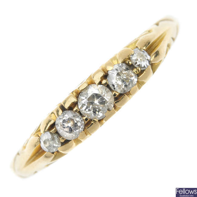 An early 20th century diamond 18ct gold  five-stone ring.