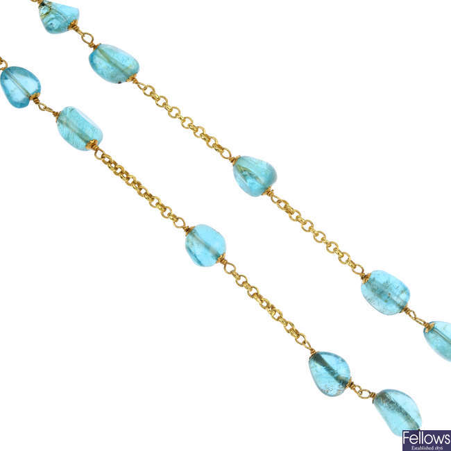 An 18ct gold tourmaline necklace and a carnelian bracelet.
