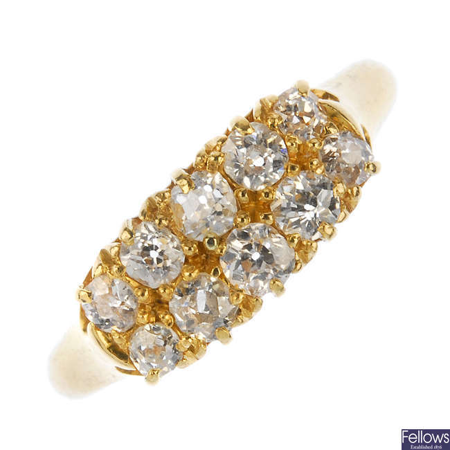 A late Victorian 18ct gold diamond ring.