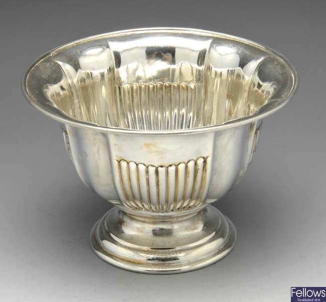 An Edwardian silver fluted bowl.