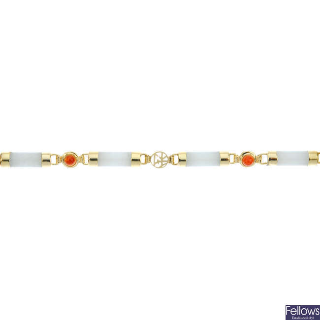 A 14ct gold treated jade bracelet.