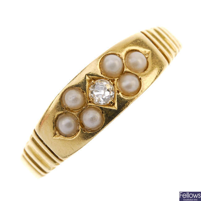 A late Victorian 18ct gold diamond and split pearl ring.