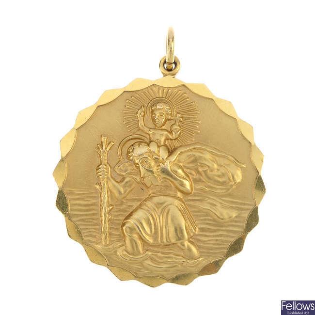 A 9ct gold St Christopher pendant and a gem-set bar brooch.