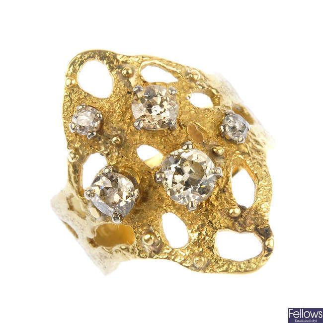 P1 P2 Diamond: A Diamond Dress Ring