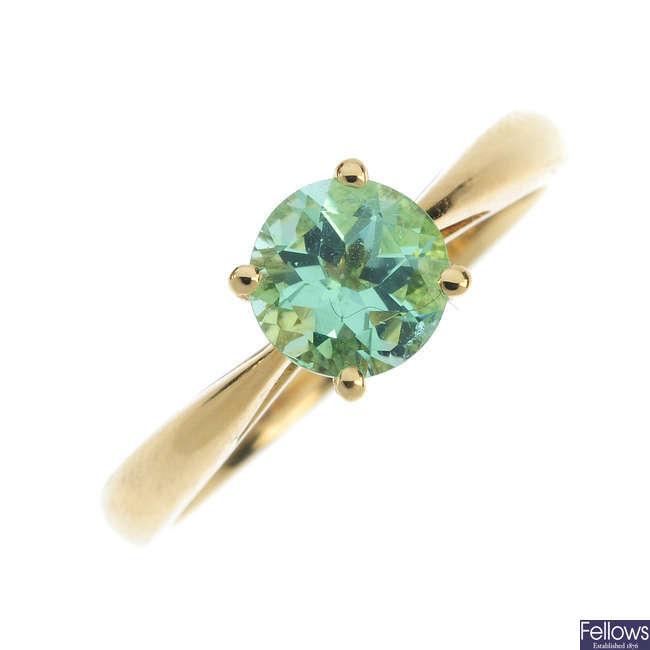 An 18ct gold tourmaline single-stone ring.