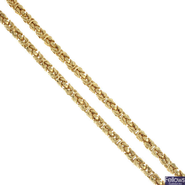 A 9ct gold necklace and bracelet.