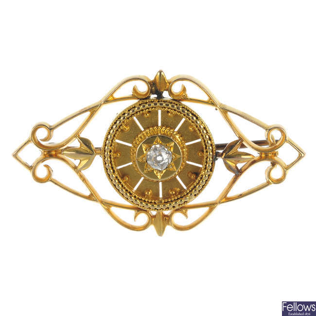 An early 20th century 16ct gold diamond brooch.