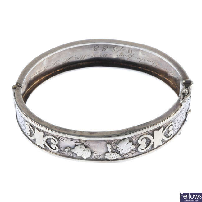 A late Victorian silver hinged bangle.