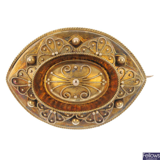 A late 19th century 18ct gold memorial brooch