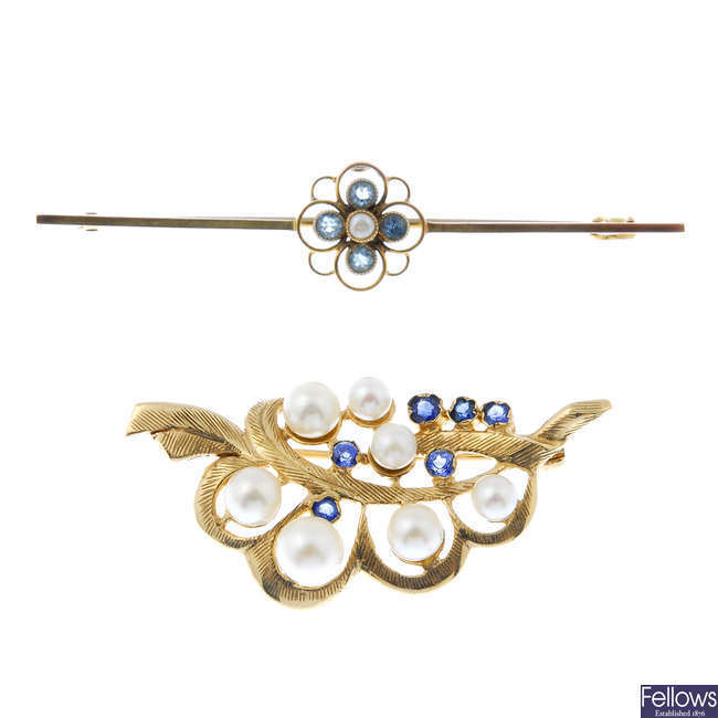 Two 9ct gold gem-set brooches.
