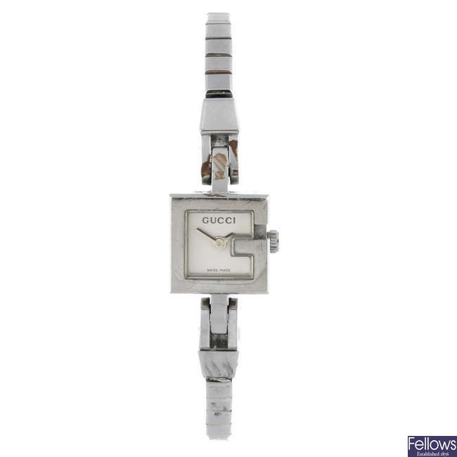 GUCCI - a lady's stainless steel 102 bracelet watch.