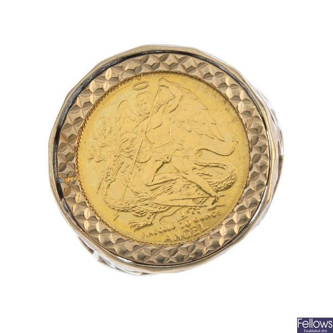 A 9ct gold mounted coin ring.