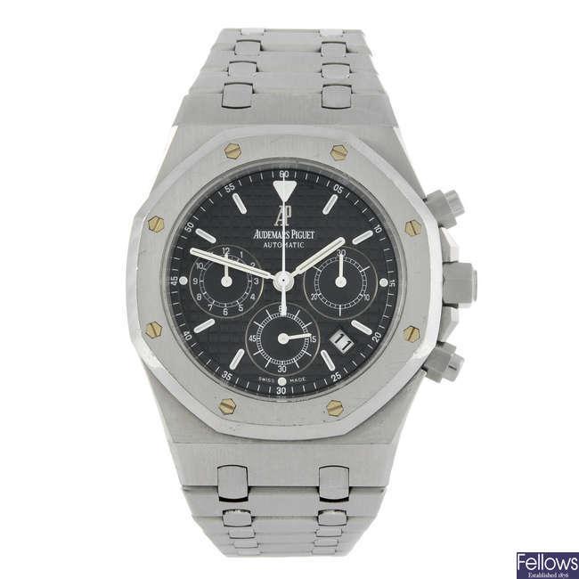 AUDEMARS PIGUET - a gentleman's stainless steel Royal Oak chronograph bracelet watch.