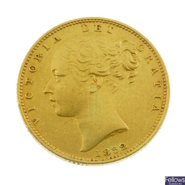 Victoria, Sovereign 1852, Roman I in date.