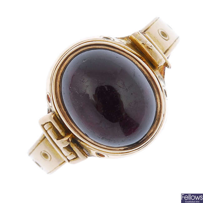 A mid Victorian 15ct gold garnet ring.