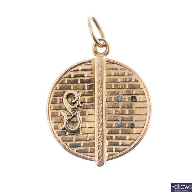 A late 19th century 9ct gold locket.