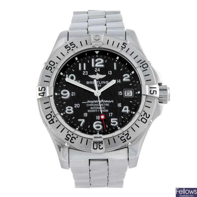 BREITLING - a gentleman's stainless steel Aeromarine Superocean bracelet watch.