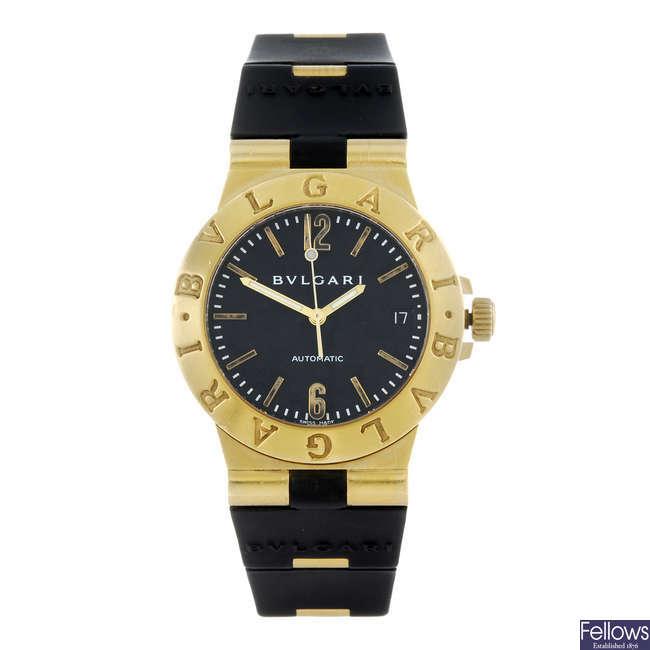 BULGARI - a gentleman's 18ct yellow gold Diagono wrist watch.