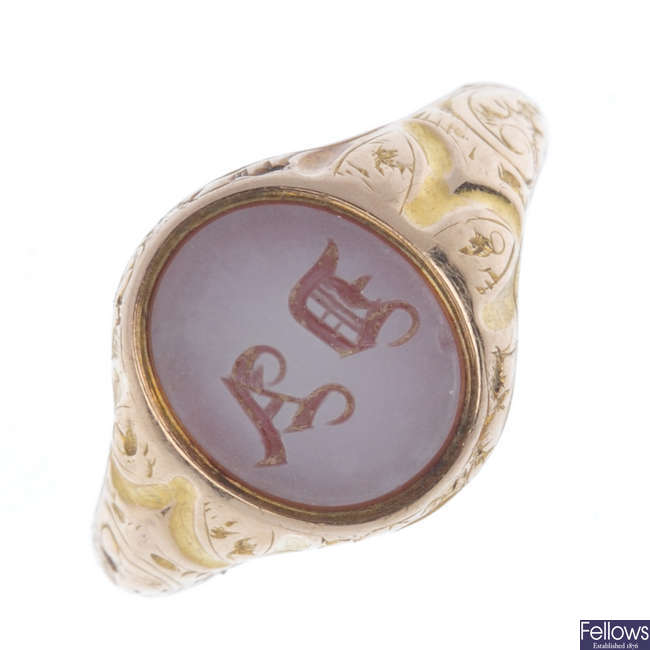 A 15ct gold mid Victorian monogrammed signet ring.