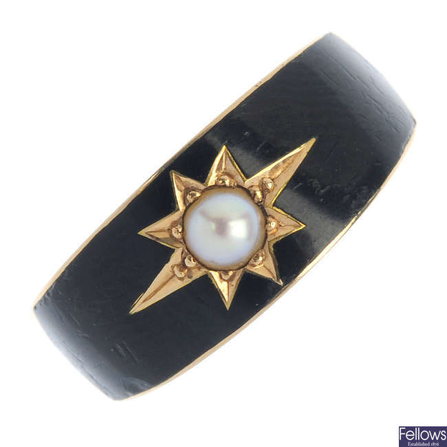 A late Victorian 15ct gold split pearl and enamel memorial ring.