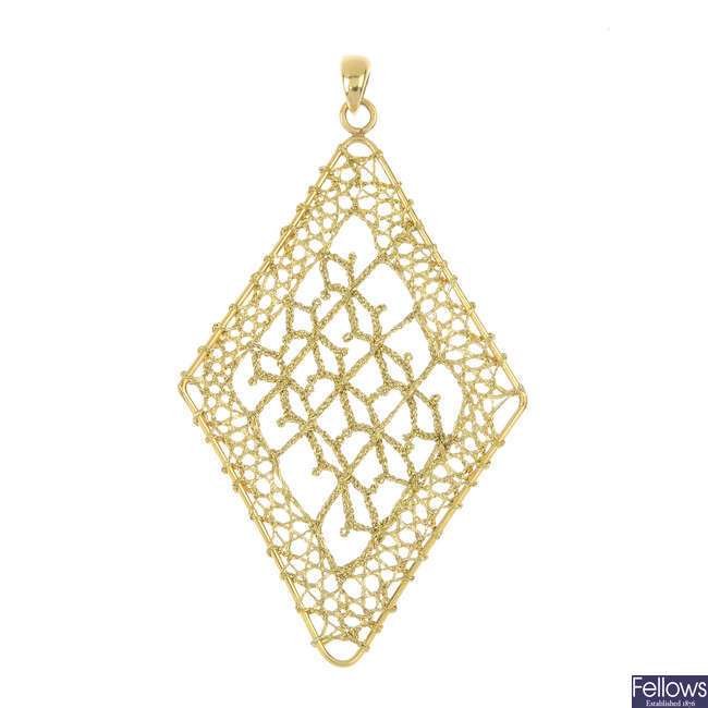 A 9ct gold pendant and two chains.