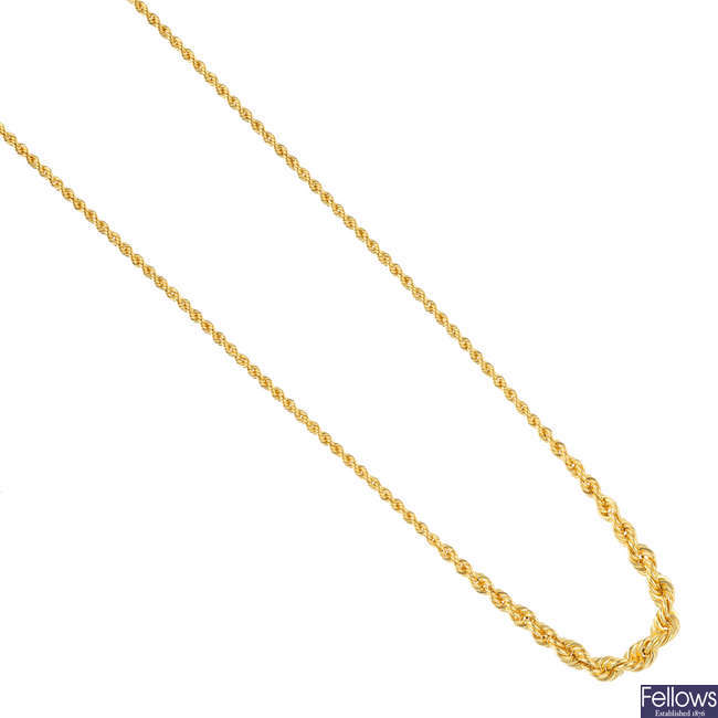 An 18ct gold necklace.