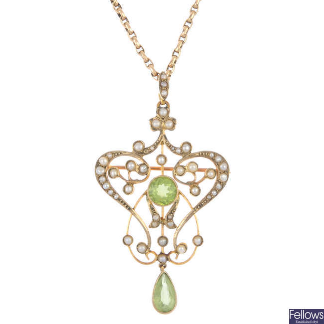An early 20th century 15ct gold peridot and split pearl pendant.