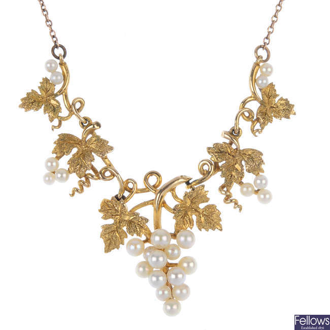 A 9ct gold seed pearl grape and vine necklace.