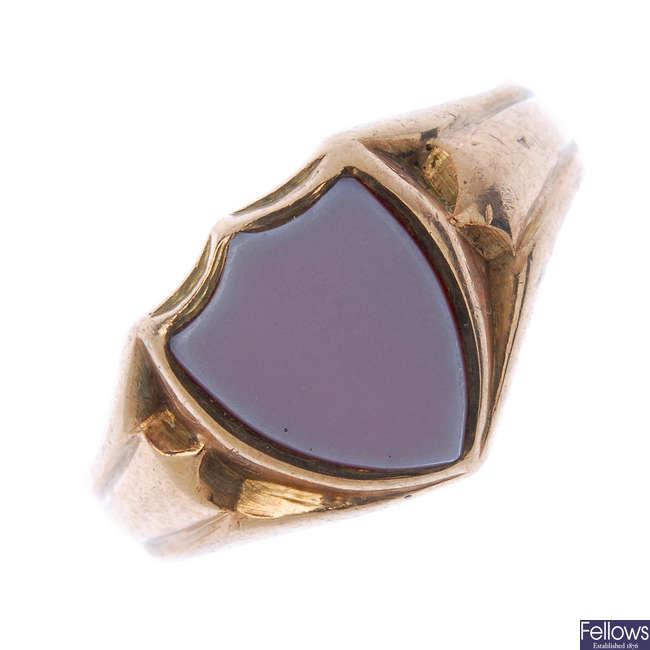 A gentleman's early 20th century 9ct gold sardonyx signet ring.