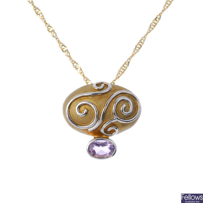 CLOGAU - a 9ct gold amethyst pendant and non-designer chain.