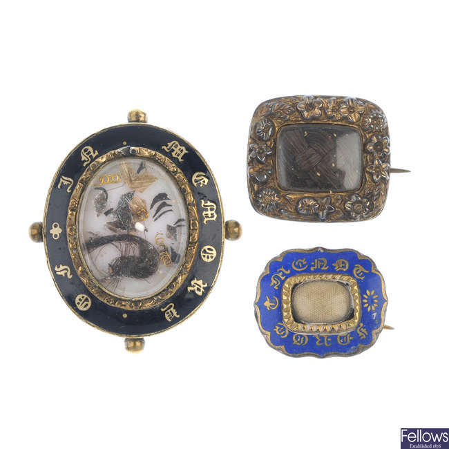 Three items of mid to late Victorian mourning jewellery.