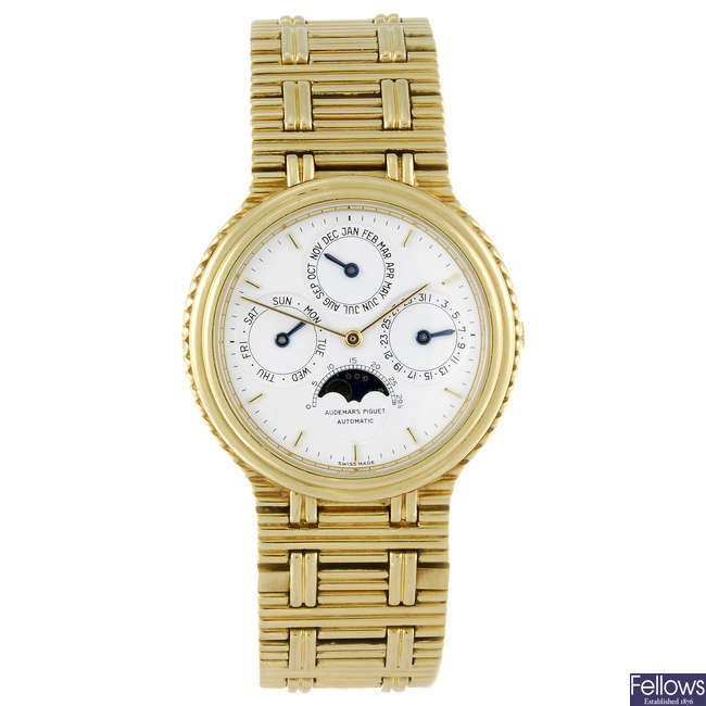 AUDEMARS PIGUET - a gentleman's 18ct yellow gold Quanti�?�me Perp�?�tuel bracelet watch.