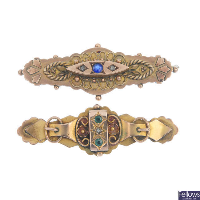 Two late 19th to early 20th century 9ct gold brooches.