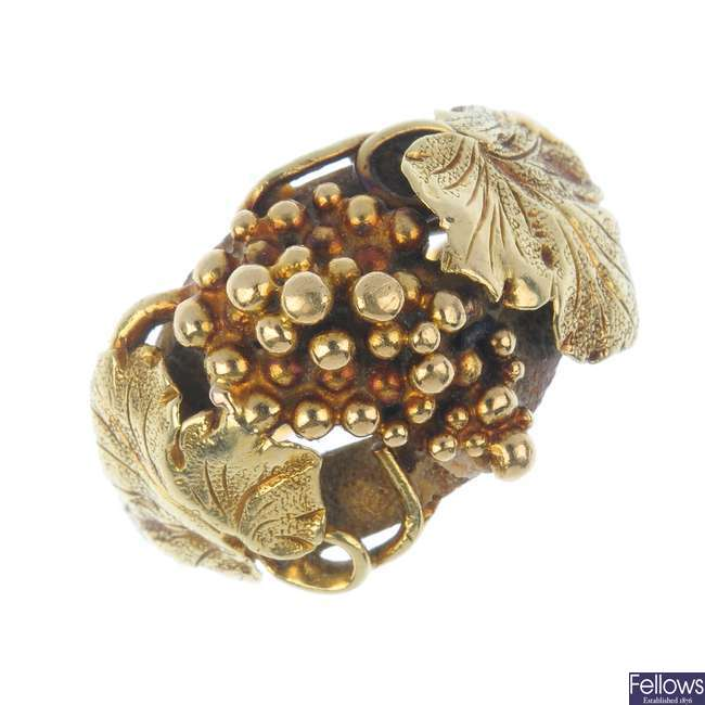 A mid 19th century Scottish 22ct gold grape and vine ring.