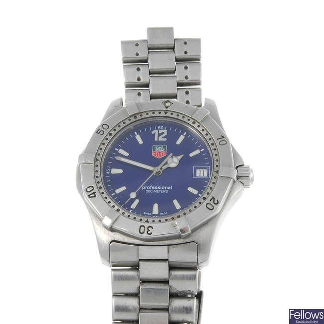 TAG HEUER - a gentleman's stainless steel 2000 Series bracelet watch.