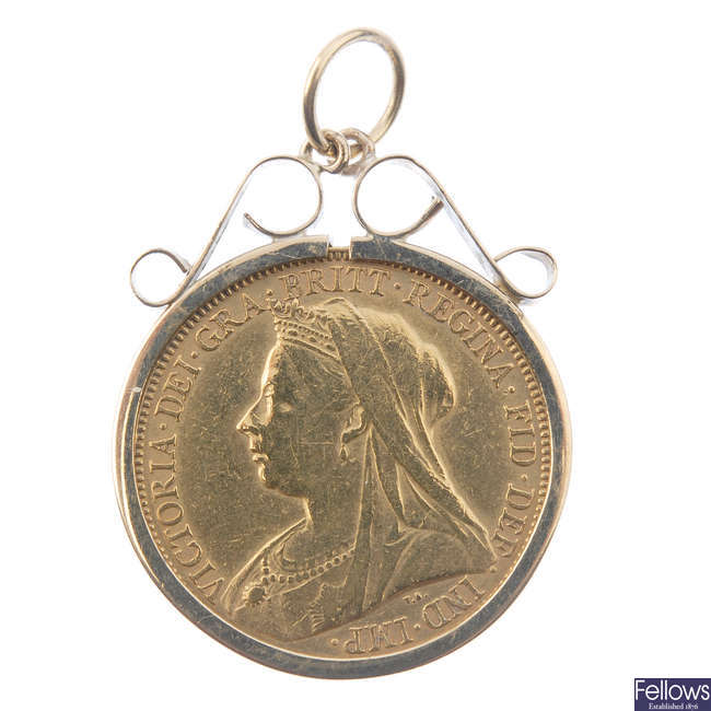 Victoria, Sovereign 1898, in a 9ct pendant mount.
