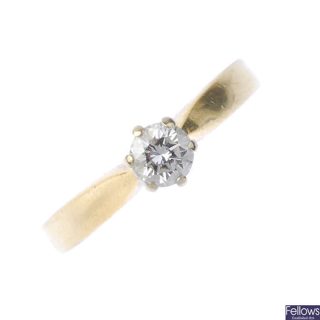 An 18ct diamond single-stone ring.